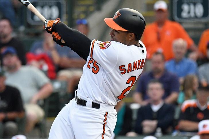 Anthony Santander swings.
